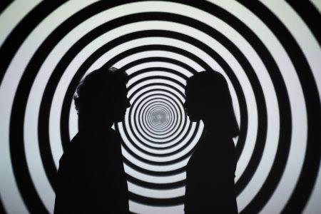 hypnose entre 2 personnes